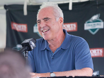 Eagles owner Jeffrey Lurie has one of 15 NFL franchises worth over a billion dollars. (Ed Hille/Staff Photographer)