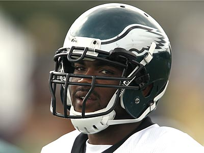 """Andy Reid """"didn´t like it,"""" Brandon Graham said. """"I was only trying to have some fun. But I learned my lesson."""" (David Maialetti/Staff Photographer)"""