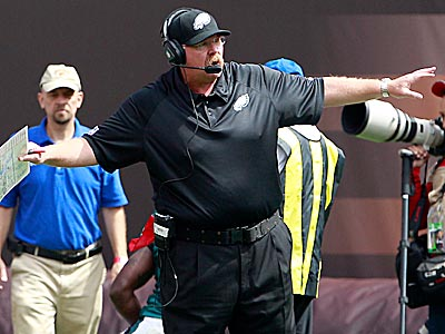 Eagles head coach Andy Reid signals on the sidelines during the second<br />quarter. (Yong Kim/Staff Photographer)