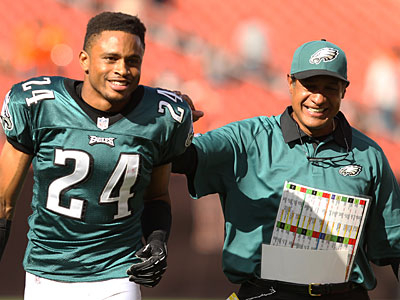 Nnamdi Asomugha with Juan Castillo after the Week 1 win over Cleveland. (Ron Cortes/Staff Photographer)