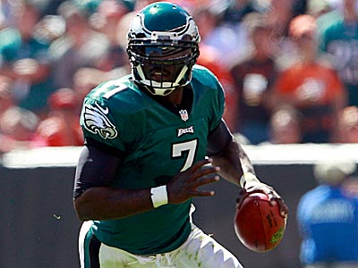 Michael Vick´s performance in Sunday´s win over the Eagles drew plenty of criticism from fans. (Yong Kim/Staff Photographer)