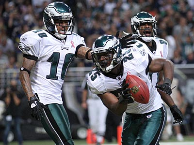 DeSean Jackson and LeSean McCoy celebrate McCoy´s first quarter touchdown against the Rams. (Yong Kim/Staff Photographer)