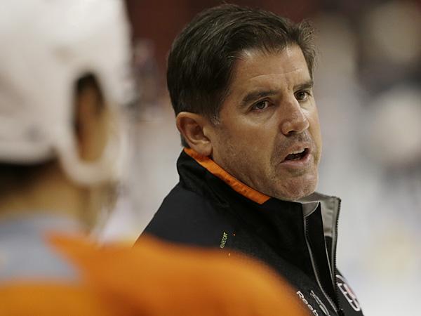 Philadelphia Flyers head coach Peter Laviolette. (AP Photo/Matt Rourke)