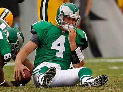 Kevin Kolb and the Eagles´ offense struggled in the first half. (Ron Cortes/Staff Photographer)