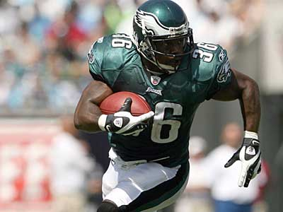 Running back Brian Westbrook carries in the Eagles´ Week 1 opener against the Panthers. (Yong Kim / Staff Photographer)
