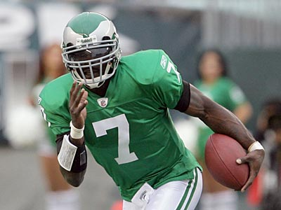 Michael Vick looks like the probable starter for this week´s game at Detroit. (Yong Kim / Staff Photographer)