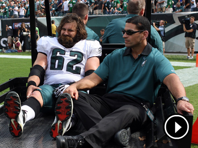 Jason Kelce partially tore his ACL and completely tore his MCL during Sunday´s game. (Yong Kim/Staff Photographer)