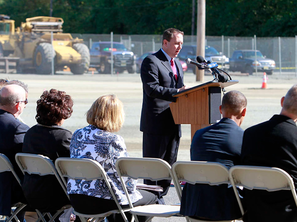 Anthony J. Perno III, CEO of Cooper´s Ferry Partnership, speaks at the groundbreaking ceremony. New baseball and soccer fields, basketball courts, a playground, concession stand, and bathrooms are expected to be completed by the spring. AKIRA SUWA / Staff Photographer