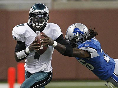 Michael Vick made his first start in almost four years against the Lions. (Ron Cortes / Staff Photograher)