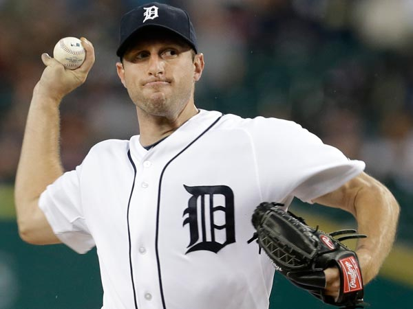 Detroit Tigers pitcher Max Scherzer throws against the Chicago White Sox in the first inning of a baseball game in Detroit, Friday, Sept. 20, 2013. (Paul Sancya/AP)