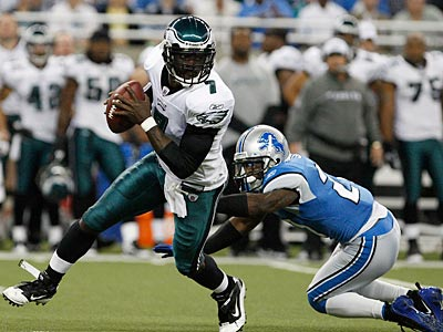 Michael Vick will return to his backup role despite leading the Eagles to victory on Sunday. (David Maialetti / Staff Photographer)
