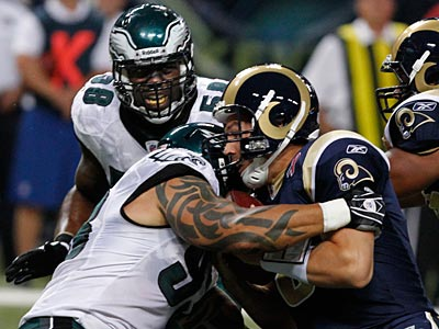 Jason Babin sacks Sam Bradford during the Eagles´ 31-13 win. (Ron Cortes/Staff Photographer)