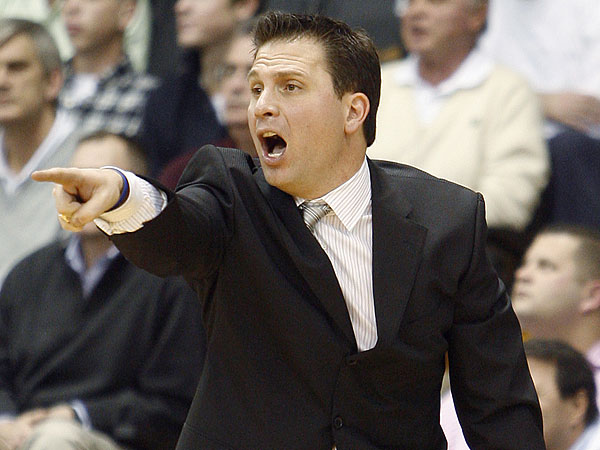 Billy Lange has been an assistant at Villanova and head coach at Navy. Now he´s joining the 76ers´ staff as an assistant to Brett Brown. (Tom Mihalek/AP file photo)