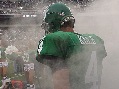 If Michael Vick is the Eagles´ QB for the long term, where does that leave Kevin Kolb? (Yong Kim / Staff Photographer)