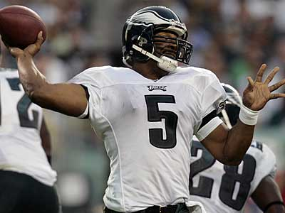 Eagles quarterback Donovan McNabb said he expects to be on the field Sunday night when the Birds take on the Bears. (AP / Mel Evans)