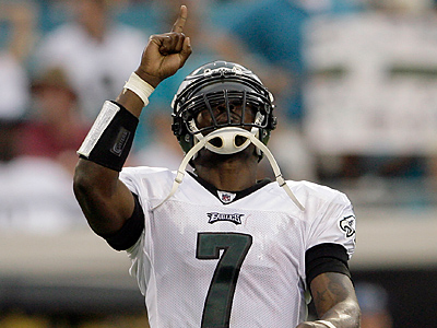 Michael Vick celebrates his third quarter touchdown pass against the Jacksonville Jaguars. (Yong Kim / Staff Photographer)