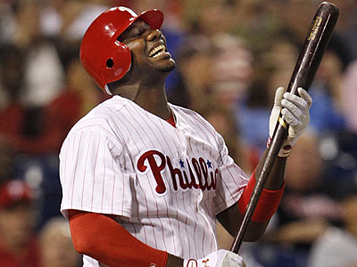Ryan Howard broke his toe by dropping a lead bat on his foot in the on-deck circle. (Ron Cortes/Staff Photographer)