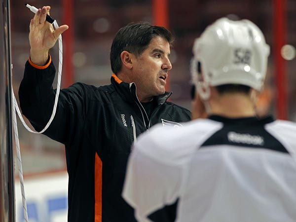 Flyers coach Peter Laviolette. (Michael Bryant/Staff Photographer)