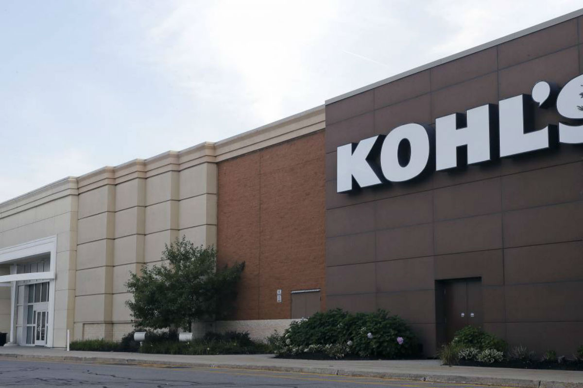 This Tuesday, Aug. 22, 2017, photo, shows a Kohl´s retail store in Salem, N.H. Kohl's long-time CEO Kevin Mansell is retiring and will be replaced by Michelle Gass, a former Starbucks executive who has been with the company since 2013. The company says the change in leadership will take place in May 2018.