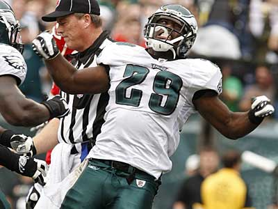 Eagles rookie running back LeSean McCoy celebrates a 5-yard touchdown run in the first quarter against the Chiefs. (Ron Cortes / Staff Photographer)