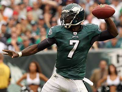Michael Vick and the Eagles take on the 49ers Sunday afternoon. (Yong Kim/Staff Photographer)