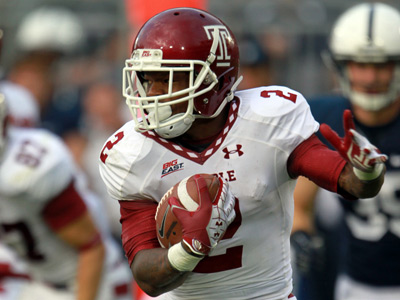 Matt Brown carries the ball during Temple´s matchup against Penn State on Sept. 22. (David Swanson/Staff Photographer)