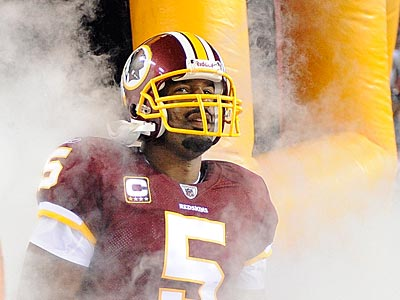 Donovan McNabb will walk out of the tunnel at Lincoln Financial Field for the first time as a visitor. (AP Photo/Nick Wass)