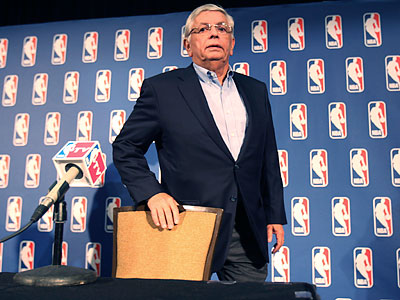 NBA representatives and the players´ union are scheduled to meet for 10-12 hours Friday. (LM Otero/AP file photo)