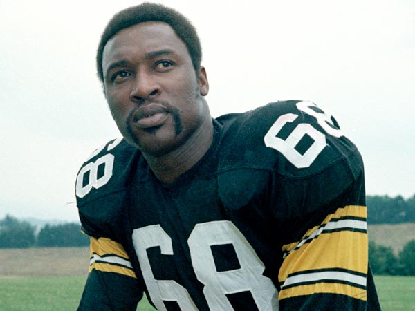 Pittsburgh Steelers´ defensive end L.C. Greenwood is seen in 1973. (Harry Cabluck/AP file)