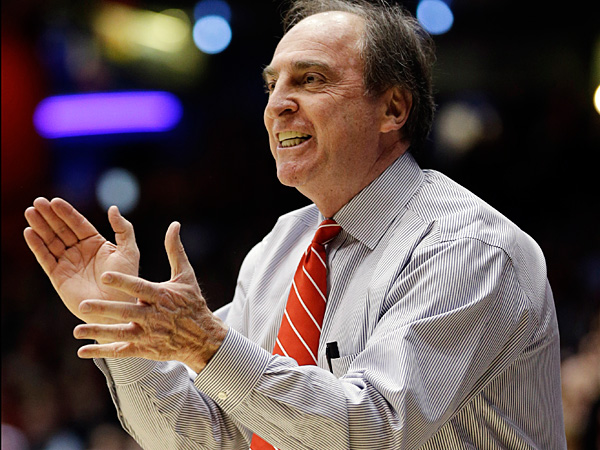 Temple head coach Fran Dunphy urges on his players. (Al Behrman/AP)