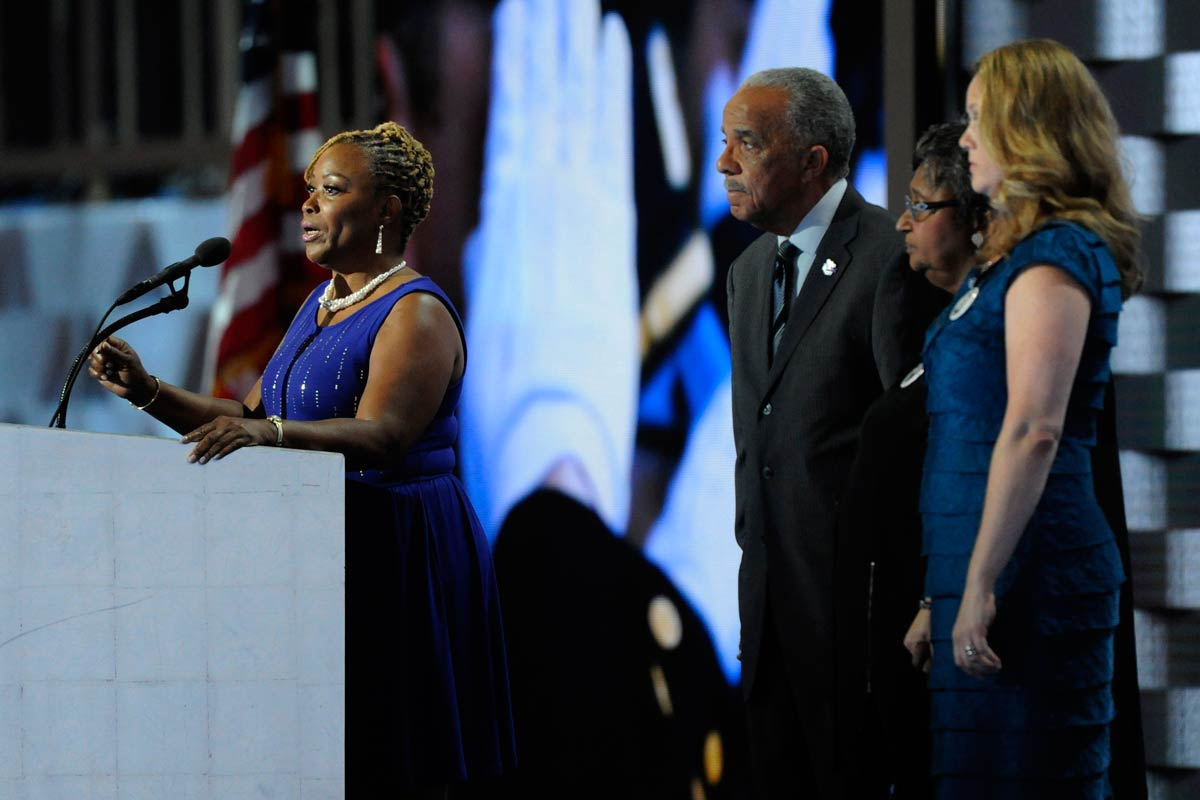 Wayne Lipscomb, police officer Moses Walker´s mother, speaks during the fourth night of the DNC in Philadelphia on July 28, 2016.