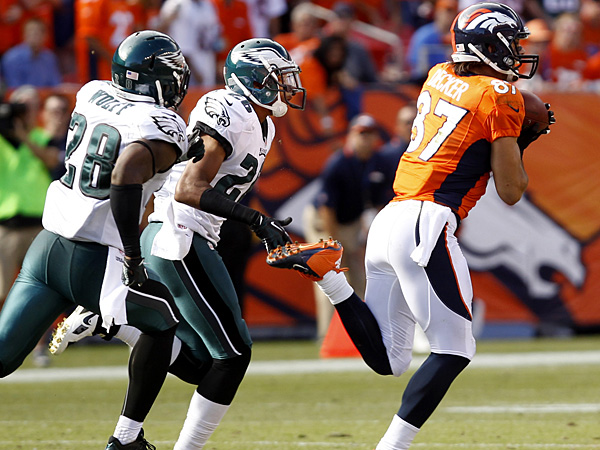 The Eagles defense gave up 52 points to Peyton Manning and the Broncos offense on Sunday. (Ron Cortes/Staff Photographer)