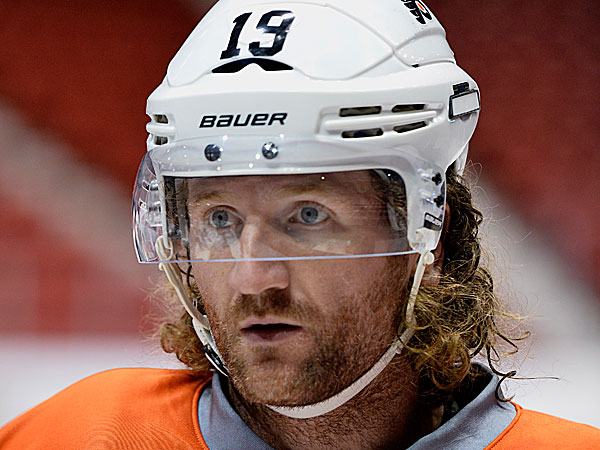 Flyers left wing Scott Hartnell. (John DiGiacomo/AP)
