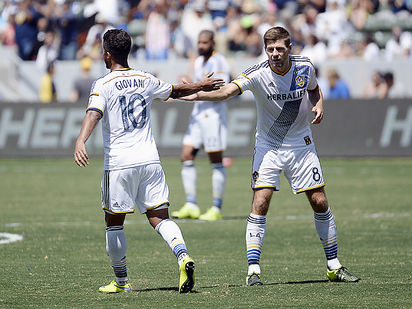 Los Angeles´ Giovani dos Santos (left) and Steven Gerrard (right) are among Major League Soccer´s highest-paid players.