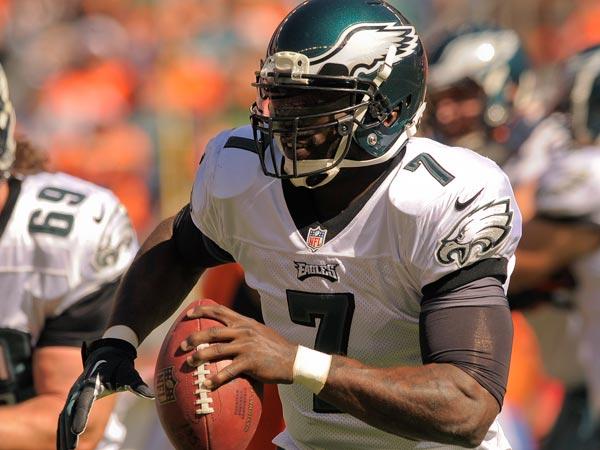 Eagles quarterback Michael Vick. (Jack Dempsey/AP)