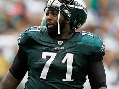 The Eagles will need a big game from Jason Peters to hold off the Patriots defense. (Alex Brandon/AP Photo)