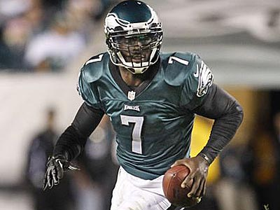 Michael Vick will try to stay on his feet against the Steelers´ tough defense on Sunday. (Ron Cortes/Staff Photographer)