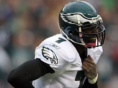 Eagles QB Michael Vick did not rule out a return Sunday vs. the Falcons. (Yong Kim / Staff Photographer)