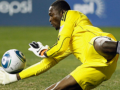 Los Angeles Galaxy goalkeeper Donovan Ricketts blocks a shot in the second half. Los Angeles beat the Union, 1-0. (AP Photo/Matt Slocum)