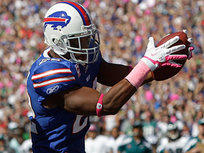 The Eagles missed five opportunities to tackle the Bills´ Fred Jackson. (David Duprey/AP Photo)