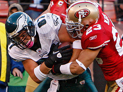 Eagles tight end Brent Celek could have had an even bigger game on Sunday.  (David Maialetti / Staff Photographer)