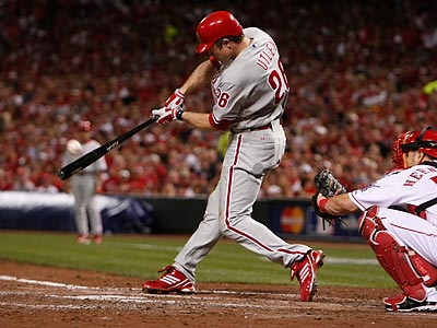 Chase Utley´s home run in the fifth inning was one of the decisive plays in the Phillies´ win. (Ron Cortes/Staff Photographer)