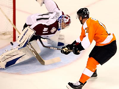Flyers forward Jeff Carter scored twice against the Avalanche.  Steven M. Falk / Staff Photographer )