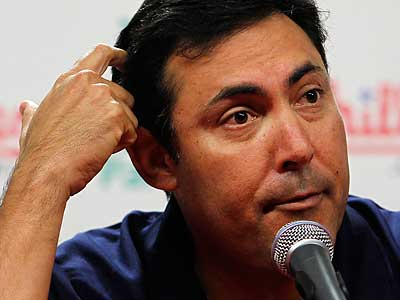 The Phillies´ postseason TV ratings may be another thing general manager Ruben Amaro Jr. should worry about. (Alejandro A. Alvarez/Staff Photographer)