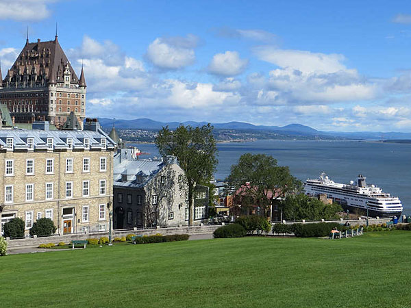 Holland America´s Maasdam docks in Quebec City, among other ports of call along the St. Lawrence River, giving passengers ample opportunity to explore Canadian points of interest.