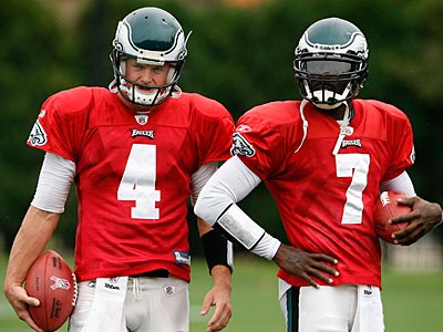 Both Eagles quarterbacks, Kevin Kolb and Michael Vick, could dress Sunday. (David Maialetti / staff photographer)