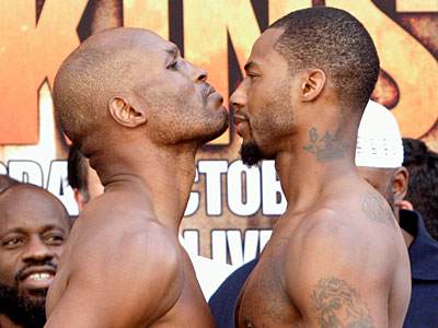 Philadelphia boxer Bernard Hopkins, left, and Chad Dawson fight tonight in Los Angeles. (Nick Ut/AP Photo)