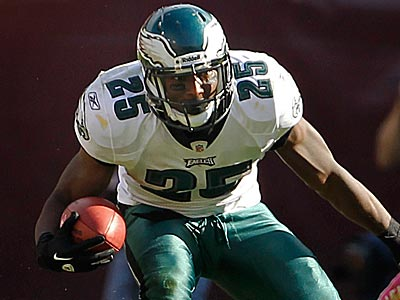 LeSean McCoy is on pace to set the Eagles´ single-season franchise record for rushing yards. (Ron Cortes/Staff Photographer)