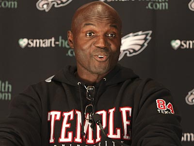 Eagles defensive coordinator Todd Bowles is a Temple alum. (Steven M. Falk/Staff Photographer)