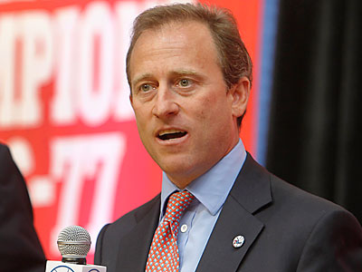Sixers managing owner Joshua Harris answers questions during Tuesday´s press conference. (Akira Suwa/Staff Photographer)